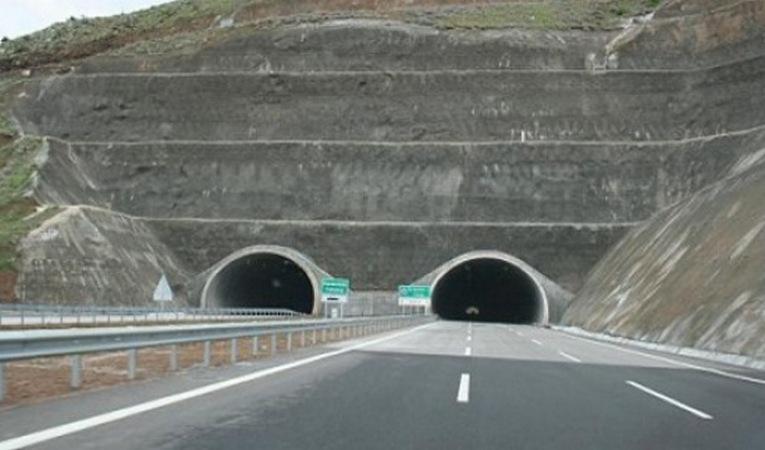 Avrupa'nın en uzun tüneli!