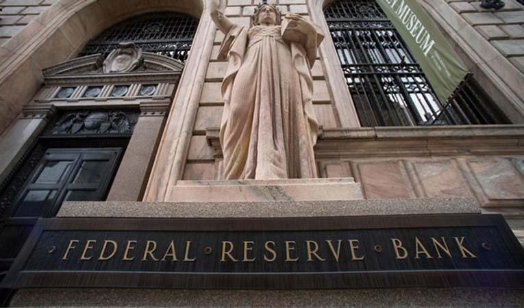 Fed'de faiz çatlağı