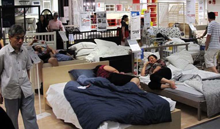 Çinli emekliler IKEA'yı bezdirdi