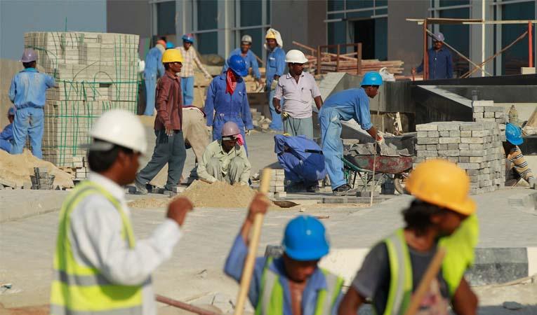 En çok göçmen işçi Körfez'de