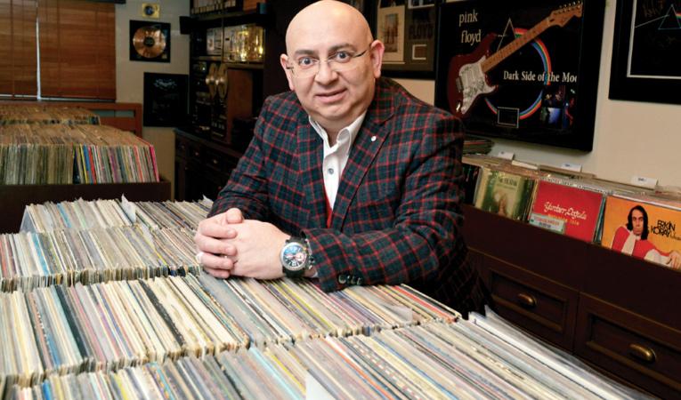 Afyonlu iş adamının müzik tutkusu