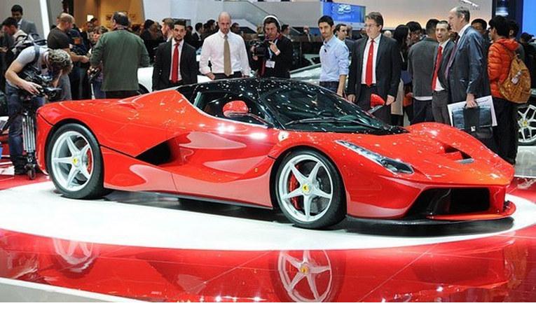 Ferrari halka arz ediliyor